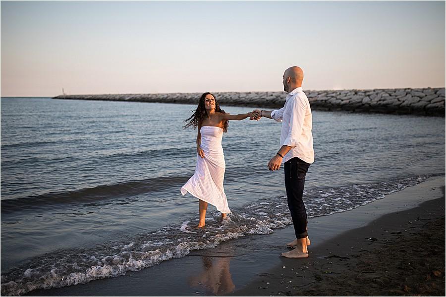 Servizio pre-matrimoniale in spiaggia a Caorle